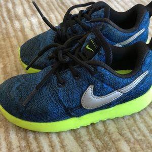 Printed Nike Roshe Toddler Size 9C
